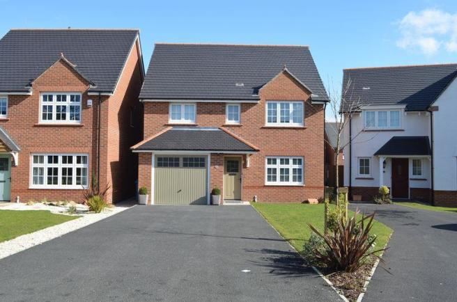 4 bedroom detached house for sale in barrows green lane for Home architecture widnes