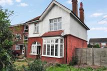 3 bed Detached property for sale in Woodthorpe Road, Ashford...