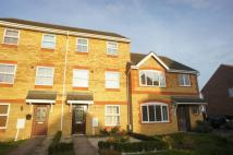 3 bed Town House in Cheshire Rise, Bletchley...
