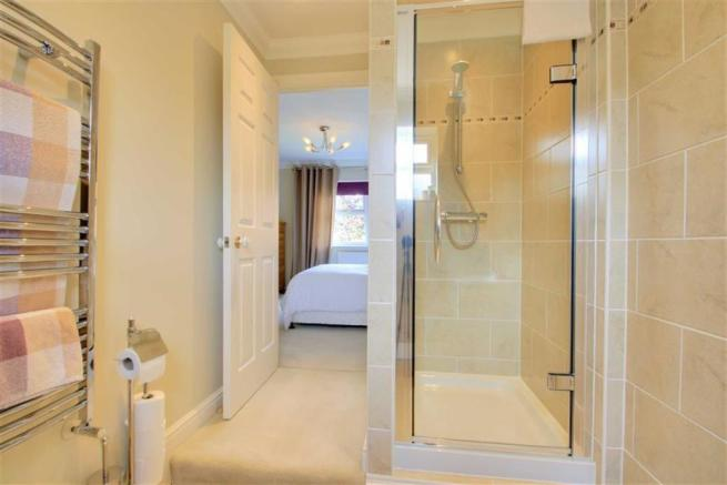 RE-FITTED ENSUITE