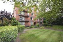 2 bedroom Flat in Mossley Hill Drive...