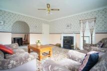 2 bedroom Flat in Gilpin House...