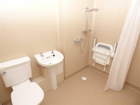 Shower Room / w.c.
