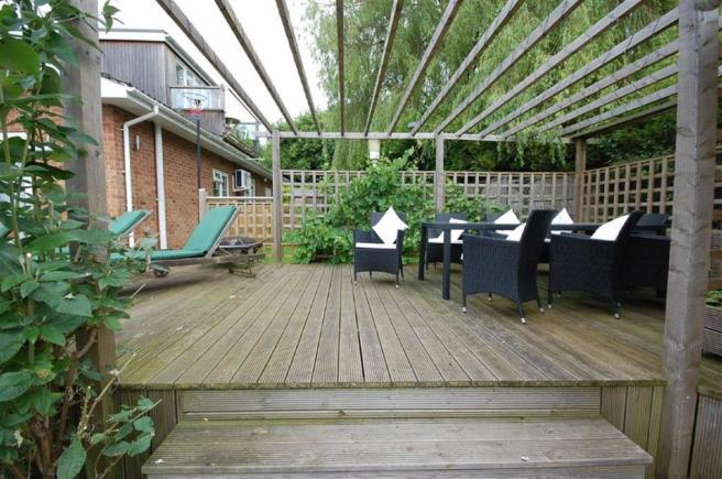 FRONT DECKING AREA