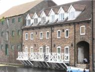 1 bed Apartment to rent in Riverhead Court...