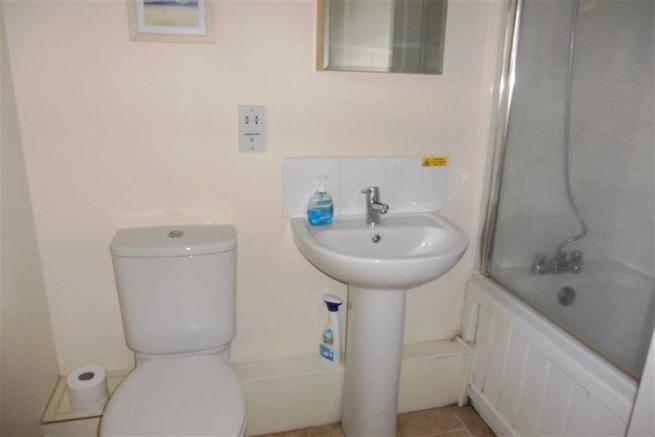 Ground Floor Bathroo
