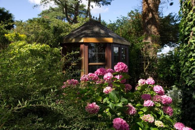 Summer House in P...