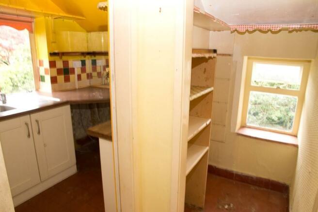 Kitchen & Pan...