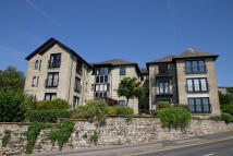 3 bed Apartment in 12 Crown Hill...