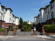 Flat to rent in Moulin Avenue, Southsea...