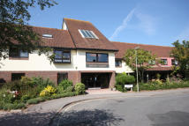 1 bed Flat in EMSWORTH ROAD, Lymington...