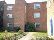 Ground Flat to rent in Hamlet House...
