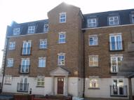 2 bed Flat to rent in Brook Square...