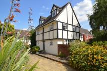 3 bed Detached home in Belgrave Close, Hersham...