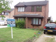 2 bedroom semi detached home to rent in Kingfisher Close, Newark