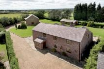 4 bed Detached house in Threaphurst Lane...