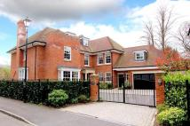 6 bedroom Detached house in Ledborough Gate...