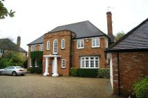 6 bed Detached property to rent in Dukes Wood Drive...