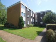 2 bedroom Flat in West End Court...