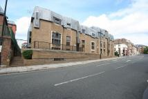 2 bed Flat in Victoria Court...