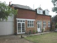 3 bed house to rent in Village Road, Dorney...