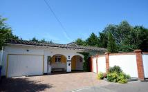 4 bed Detached Bungalow to rent in Woodland Avenue, Windsor...