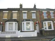 3 bed Terraced home in Albany Road, Windsor, SL4