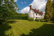 5 bed Detached property in Throwley, Faversham