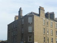 Flat to rent in STRATHMARTINE ROAD...