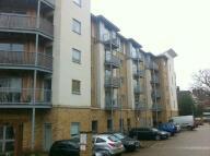 2 bed Apartment to rent in 2 bedroom Top Floor...