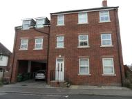 Flat to rent in George Street, Harwich...