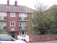 2 bedroom Flat in Cliff Road, Dovercourt