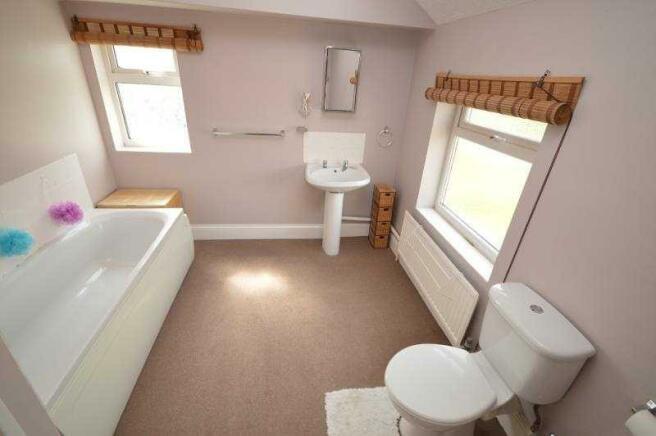 10' Bathroom