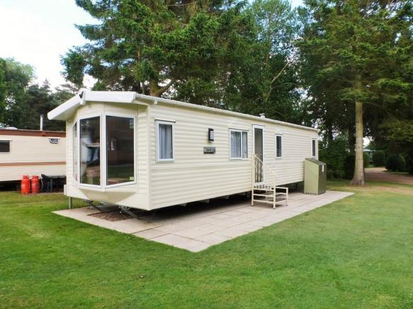 2 Bedroom Mobile Home For Sale In Roughton Nr Cromer Nr11