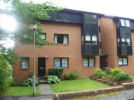 2 bed Ground Flat in 15 Maxton Grove...