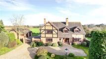 4 bed Detached property for sale in Douglas Grange, Hurst...