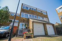 3 bed Town House in Halsmere Rd, SE5 9JQ