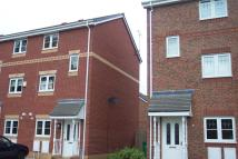 Town House to rent in Mottram Drive, Stapeley