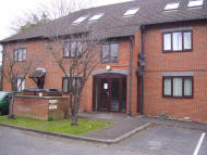 Flat in Heather Drive, Andover...