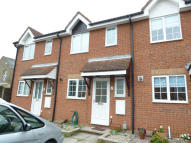Terraced property to rent in Dunstable