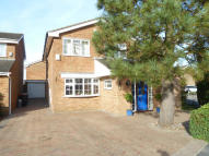 Detached property to rent in Kensworth