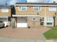 3 bed semi detached property in Dunstable