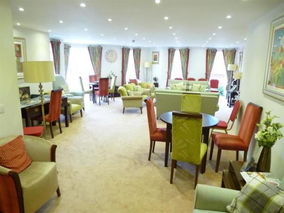 Communal Lounge/Dini