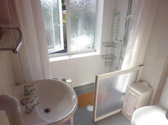 Shower Room (Previou