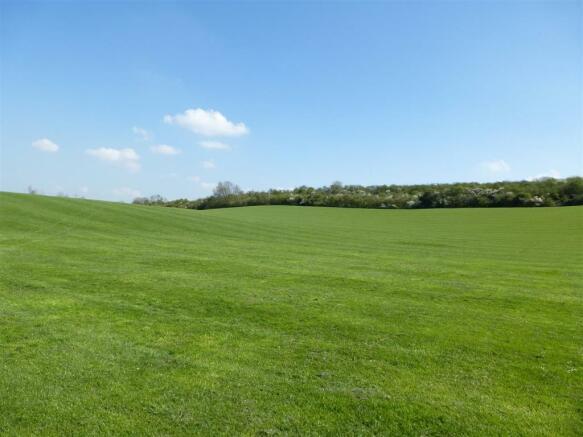 Mentmore Crescent Recreational Ground