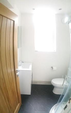 Shower Room 1 View 2