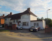 5 bed semi detached home to rent in Ford Close, Harrow, HA1