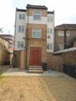 2 bedroom Flat in High Street, Wealdstone...