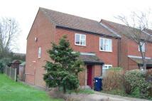 Flat to rent in Carter Close, Brampton...