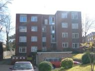 Apartment to rent in South Croydon, Surrey